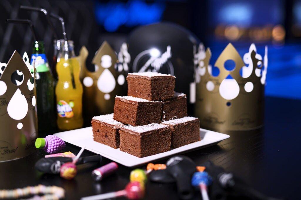 Bowlingbursdag med valgmulighet for å kjøpe kake og godteripose
